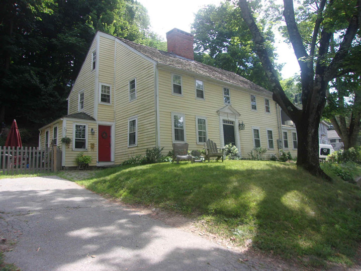 1-2 Evans Place, the Stevens – Fifield house, Amesbury MA