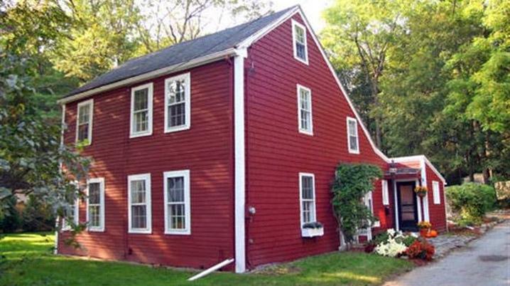 Morrill House, 1 Laurel Pl Amesbury MA (c 1720