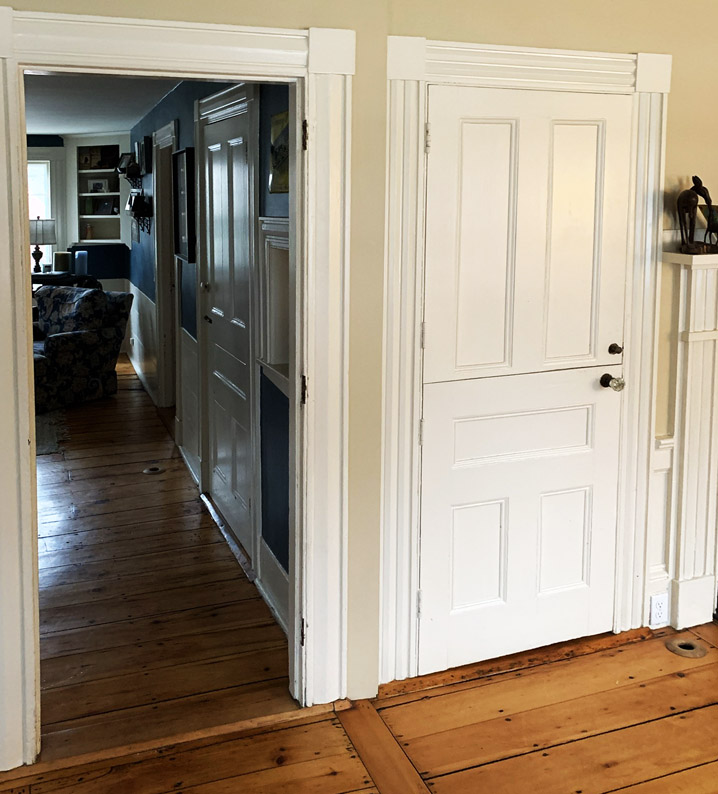 Federal / Greek Revival Interior door casings.