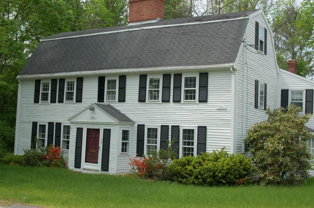 The house at 37 Porter Road in Andover MAis said to have been built by Joseph Ballard in 1758 for himself and his widowed mother, two stories with gambrel roof.
