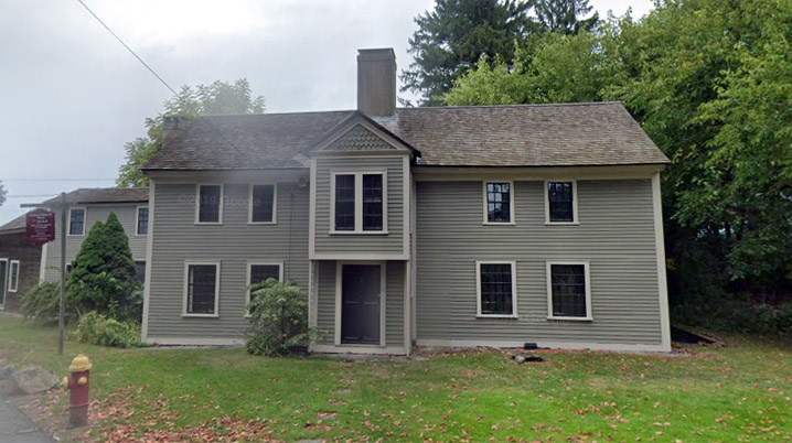 Said to have been constructed in 1644, the Nathaniel Felton, Sr., House was the first house built on Mount Pleasant (the Brooksby Farm area). The house is a remarkably intact example of first period architecture, featuring period rooms and a special exhibit of children's artifacts.