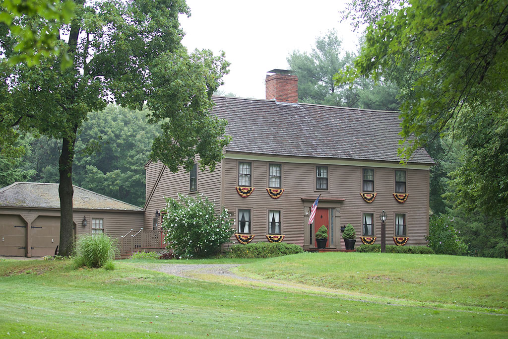 Henfield House 300 Main St Lynnfield c 1700
