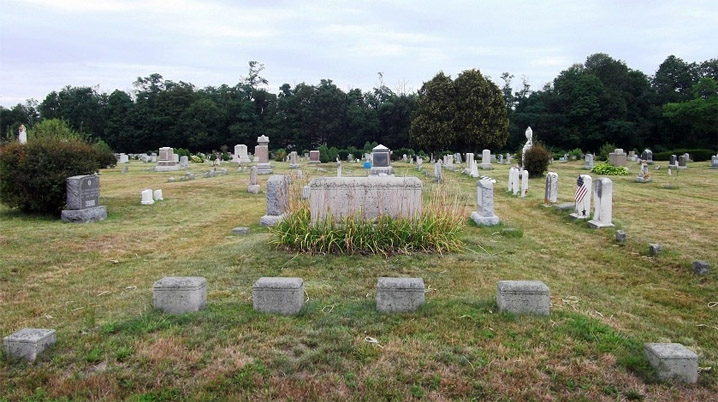 Interments of Rev. John and Deborah Pike family members at the Rowley Cemetery
