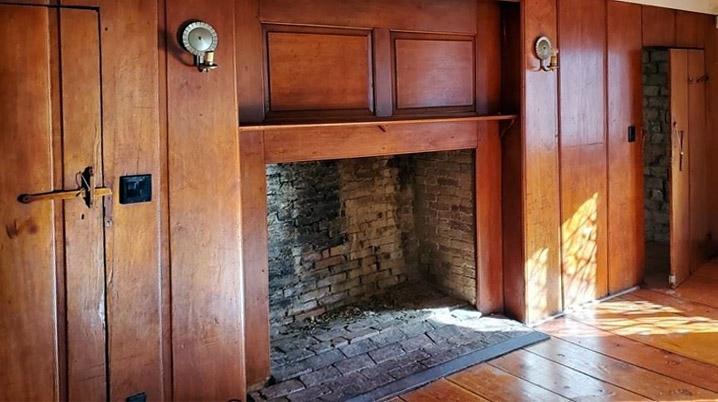 86 Howlett St., Topsfield MA fireplace