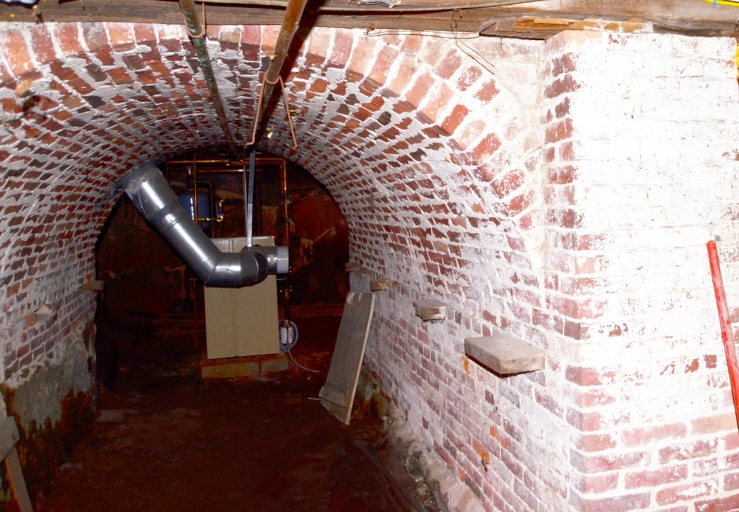 Arched chimney base at 254 Main St. in W. Newbury