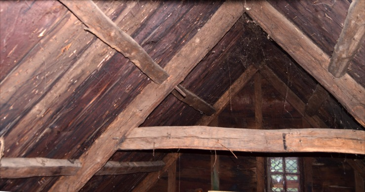 Principal rafter and common purlin roof construction, 30 East St., Ipswich MA